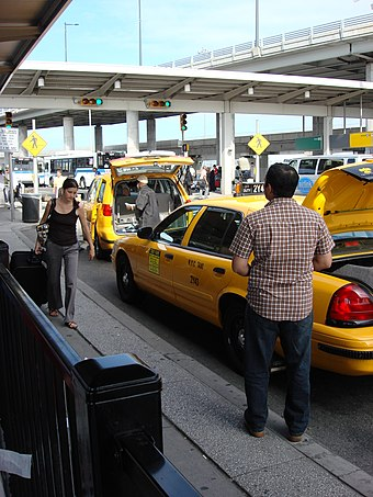 A taxi at JFK Airport Waiting for a Taxi (JFK Airport - New York).jpg