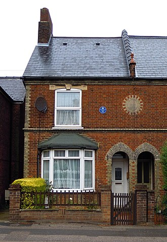 Richard Walker (angler) - Walker's birthplace at 32 Fishponds Road in Hitchin