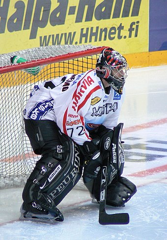 Goaltenders use more protective equipment than other players, just like goaltender Sinuhe Wallinheimo pictured here. Wallinheimo Sinuhe JYP.jpg