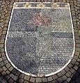 Wappen der Partnergemeinde Rosà vor dem Rathaus von Schallstadt.jpg