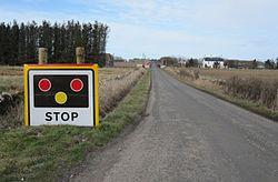Watten level crossing sign (13174986465).jpg
