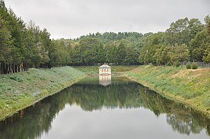 Weston Aqueduct - The channel chamber house and open channel leading to the Weston Reservoir