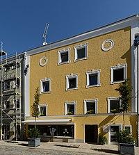 Wohn- und Geschäftshaus Theresienstraße 15 (Passau) a.jpg