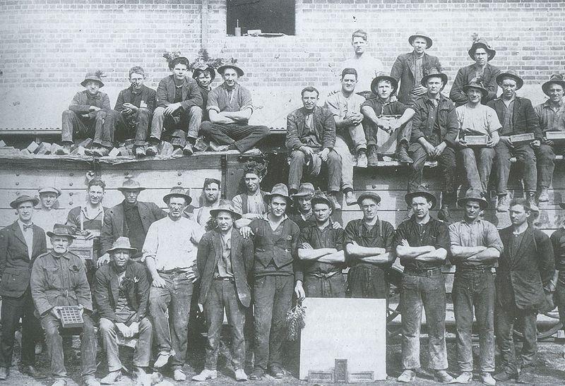 File:Yarralumla brickworks 1924.jpg
