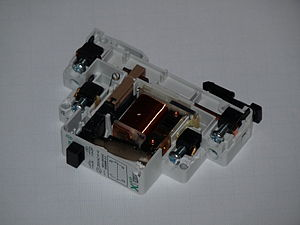 Latching switch - Image: Z S230 SO