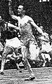 Étienne Bally, vainqueur du 100 mètres des championats de France en juillet 1947.jpg