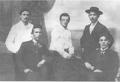 Бабич һәм Әлмөхәмәтов әҙиптәр араһында. Өфө, 1917 йыл.png