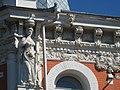 Барельеф на здании бани колокольникова.jpg