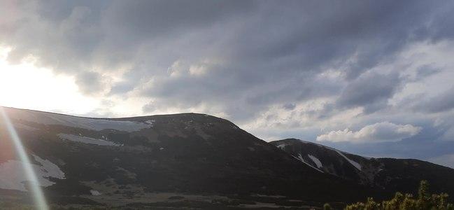 File:Захід сонця над Туркулом. Біля оз.Несамовите. Чорногора.ogv