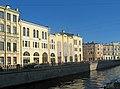 Малый Гостиный двор с канала Грибоедова.jpg