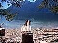 Пенёк с книгой и озеро.jpg
