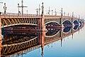 Троицкий мост через Неву. 2011-04-23.jpg