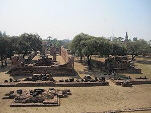 Ayutthaya Historical Park - Image: ワット・ラーチャブーラナ