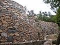 城外の北側から城門を望む(1).jpg