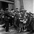 05.06.61 Procès Tournerie des Drogueurs. La foule aux Assises (1961) - 53Fi917.jpg