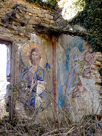 Solana Valley - Frescoes decaying in a ruined church of the valley