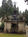 090 Panteó de Bartomeu Robert i Emerencià Roig.jpg