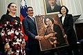 10.03 總統與「宏都拉斯共和國葉南德茲(Juan Orlando Hernández)總統相互贈禮 (30047940106).jpg