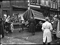 12-07-1949 06901 Bestelauto door winkelruit (15113698046).jpg