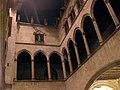 14 Ajuntament de Barcelona, galeria gòtica.jpg