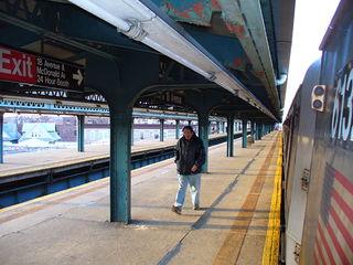 18-я авеню (линия Калвер, Ай-эн-ди) — Википедия