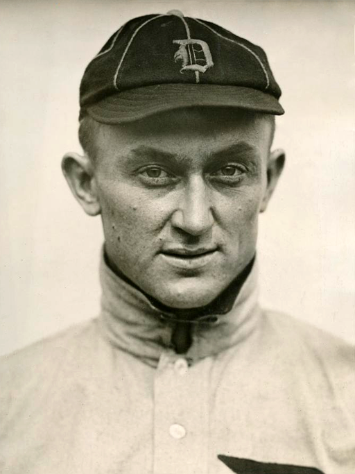 1913 Ty Cobb portrait photo