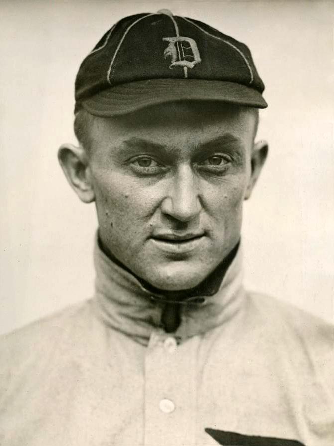 1913 Ty Cobb portrait photo