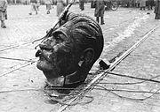 1956 a budapesti Sztálin-szobor elgurult feje fortepan 93004