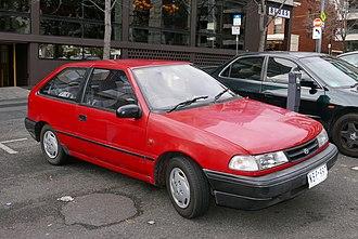 Hyundai Excel - Image: 1994 Hyundai Excel (X2) Sprint 3 door hatchback (2015 07 06) 01