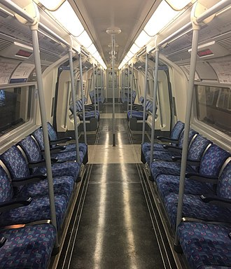 London Underground 1996 Stock - Image: 1996ts interior refurb