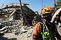 2010년 중앙119구조단 아이티 지진 국제출동100118 중앙은행 수색재개 및 기숙사 수색활동 (189).jpg
