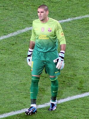 Víctor Valdés - Valdés playing for Barcelona in 2012