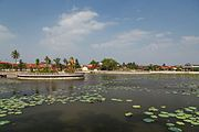 2016 Kampot, Staw lotosów (01).jpg