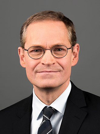 Minister president (Germany) - Image: 2017 11 16 Michael Müller (Wiki Loves Parliaments 2017 in Berlin) by Sandro Halank
