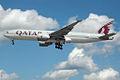 A7-BBD Boeing 777 Qatar (16417610099).jpg