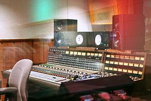 Automated Processes, Inc. - Image: API 2098 (32in,16bus,24mon, API550A&550eq) RCA Studio B