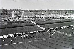 A Deutsches Stadion megnyitó ünnepsége 1913. június 8-án. Fortepan 86196 FOTO:FORTEPAN / Schmidt Albin, Public domain, via Wikimedia Commons