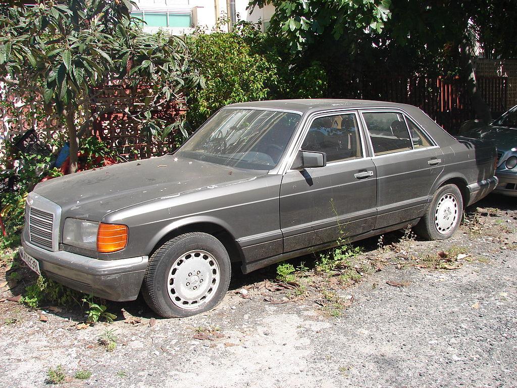 File abandoned mercedes benz 500se jpg wikimedia commons for Mercedes benz 500se