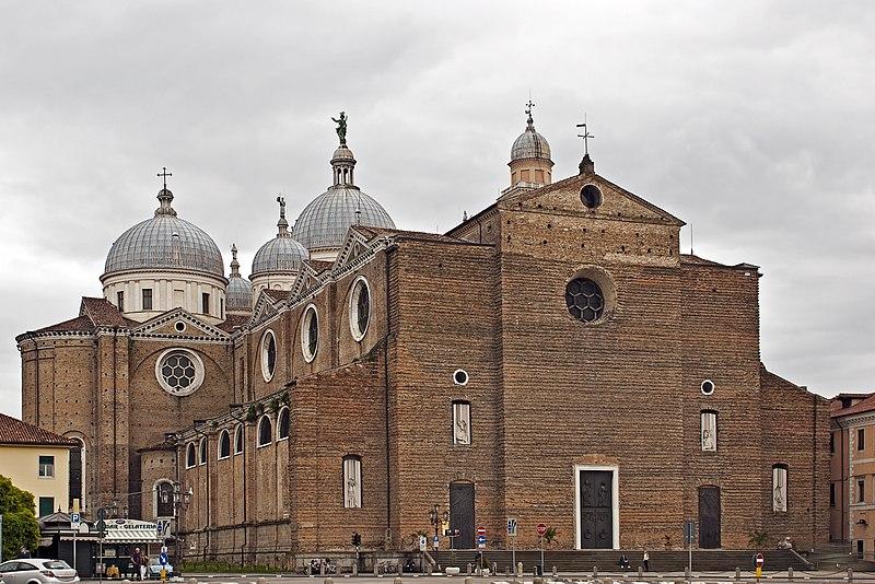 Archivo:Abbazia di Santa Giustina.jpg