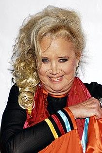 Academy Awards afterparty CUN Sally Kirkland.jpg