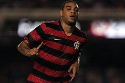 0086aa7c15 Adriano jogando pelo Flamengo em 2009
