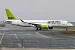 Air Baltic, YL-CSH, Bombardier CS300 (41662052812).jpg