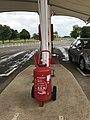 Aire de Villeroy (A19) - essence - extincteur.JPG