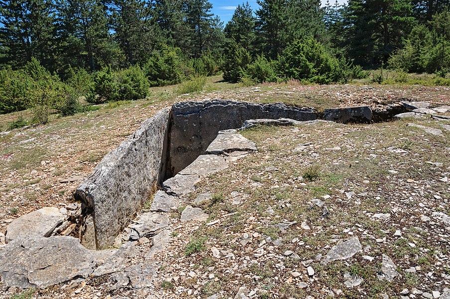 """The """"Aire des Trois-Seigneurs"""" dolmen on Causse de Sauveterre, Lozère, France"""