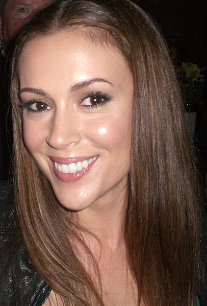 alyssa milano kissing vampire
