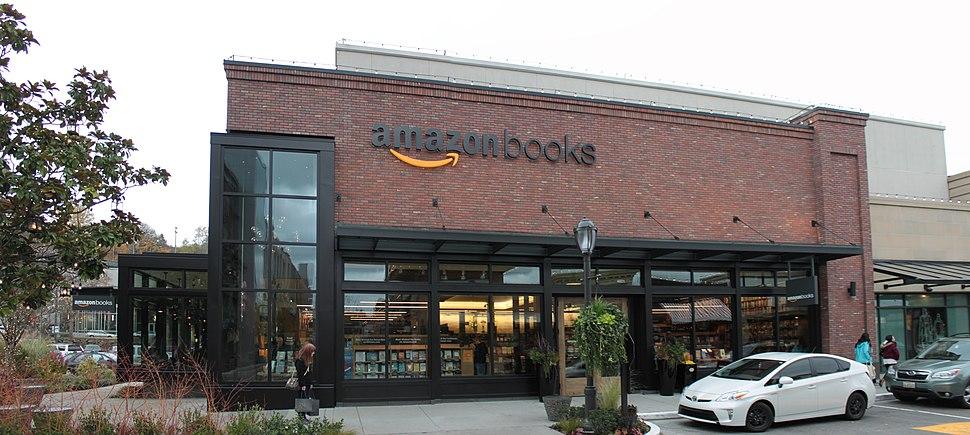 Amazon Books at U Village, Seattle (22955160585)