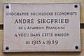 André Siegfried plaque - 8 rue de Courty, Paris 7.jpg