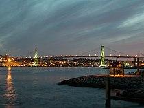 Angus L. Macdonald Bridge in Halifax, Nova Scotia (May 8, 2006.).jpg