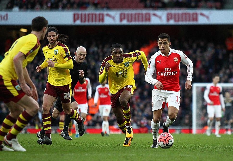 Arsenal Vs Burnley (24710243866)