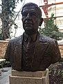 Arthur Koestler mellszobra Budapesten (Juha Richárd alkotása).jpg
